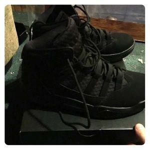 9 1/2 Jordan's rare collectors men's shoe brandnew